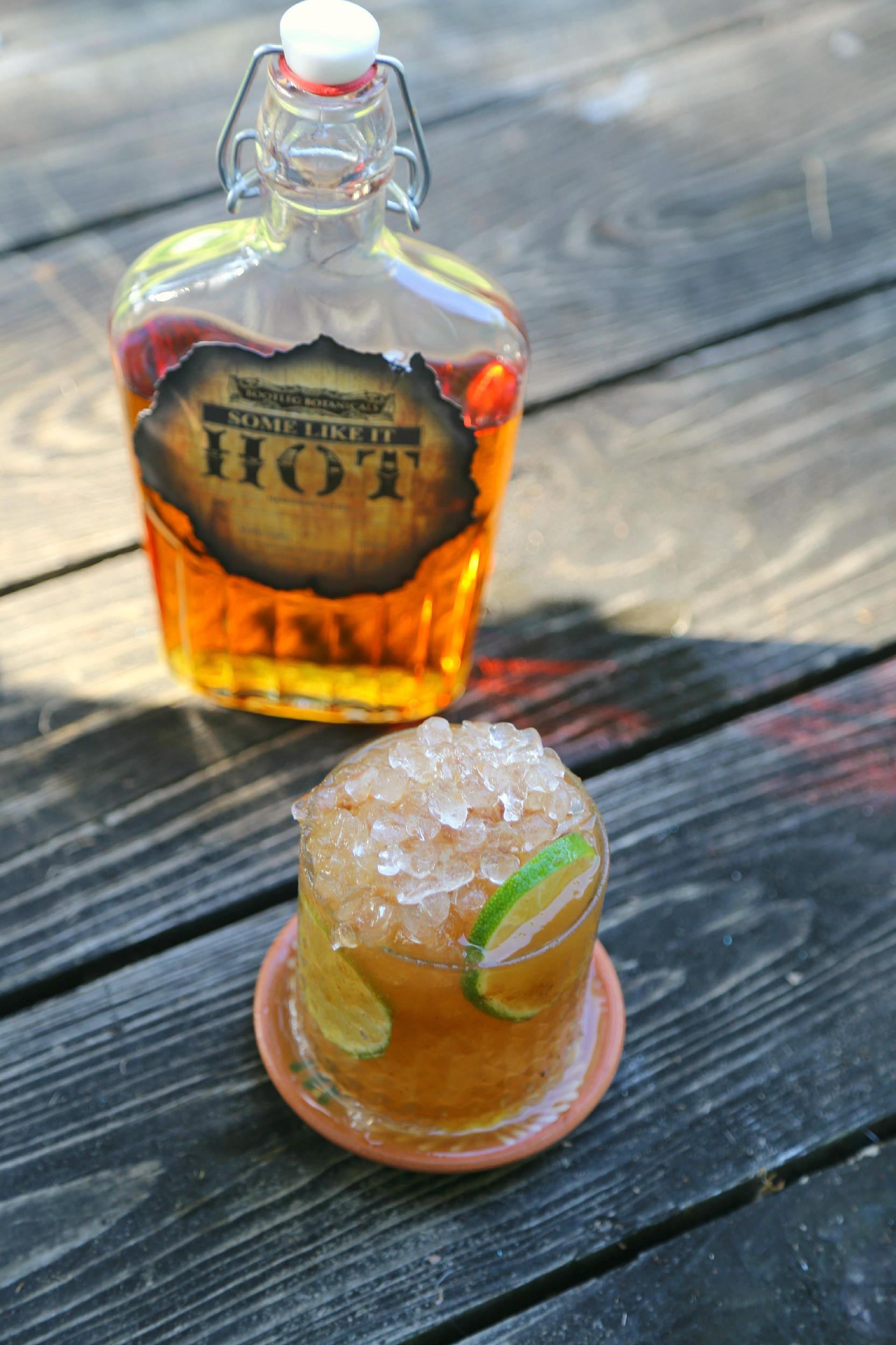 Tamarind-Cinnamon-Whiskey-Smash-cocktail-vianneyrodriguez-sweetlifebake