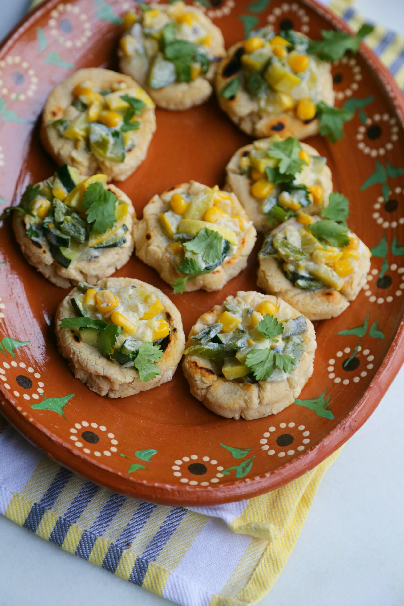 calabacitas-con-crema-mini-sopes-recipe-vianneyrodriguez-sweetlifebake