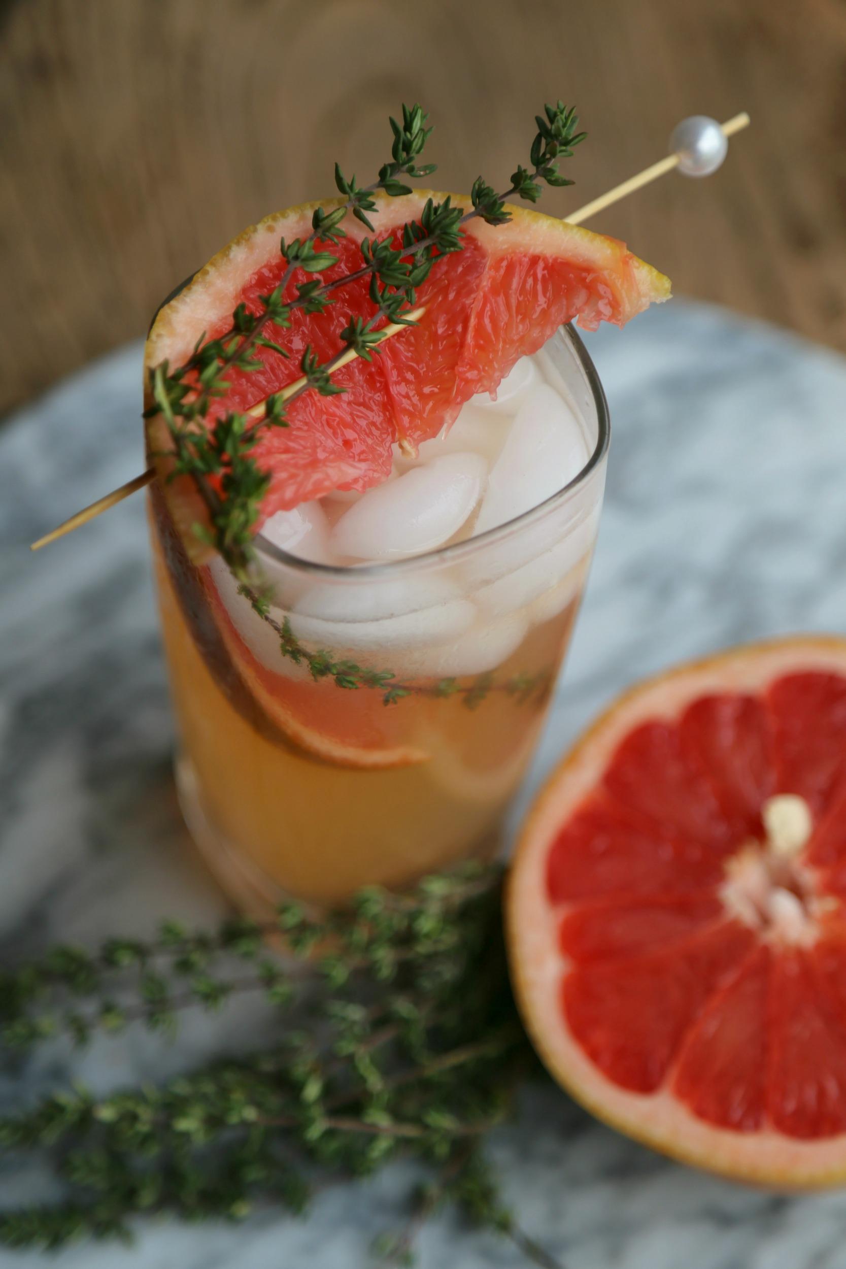 grapefruitthyme-mocktail-vianneyrodriguez-sweetlifebake