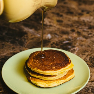 Rompope Pancakes {Mexican Eggnog Pancakes}