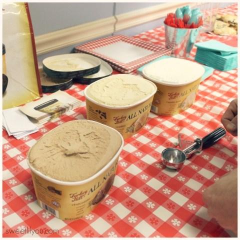 Turkey Hill All Natural Ice Cream Taste Test! #TRKAmbassador