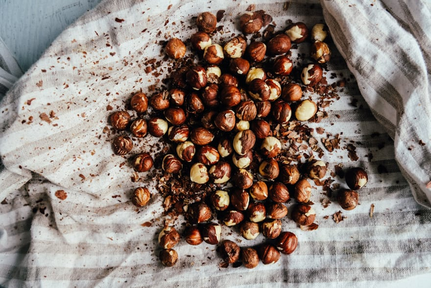 Toasted Hazelnut Milk with Cinnamon #vegan #paleo #recipe