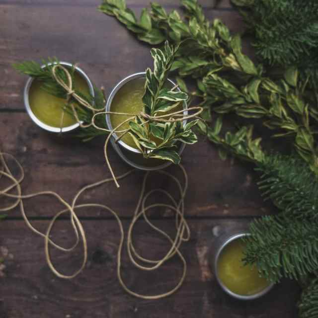 douglas fir and orange body balm. Easy DIY holiday gifts. #DIY #gifts