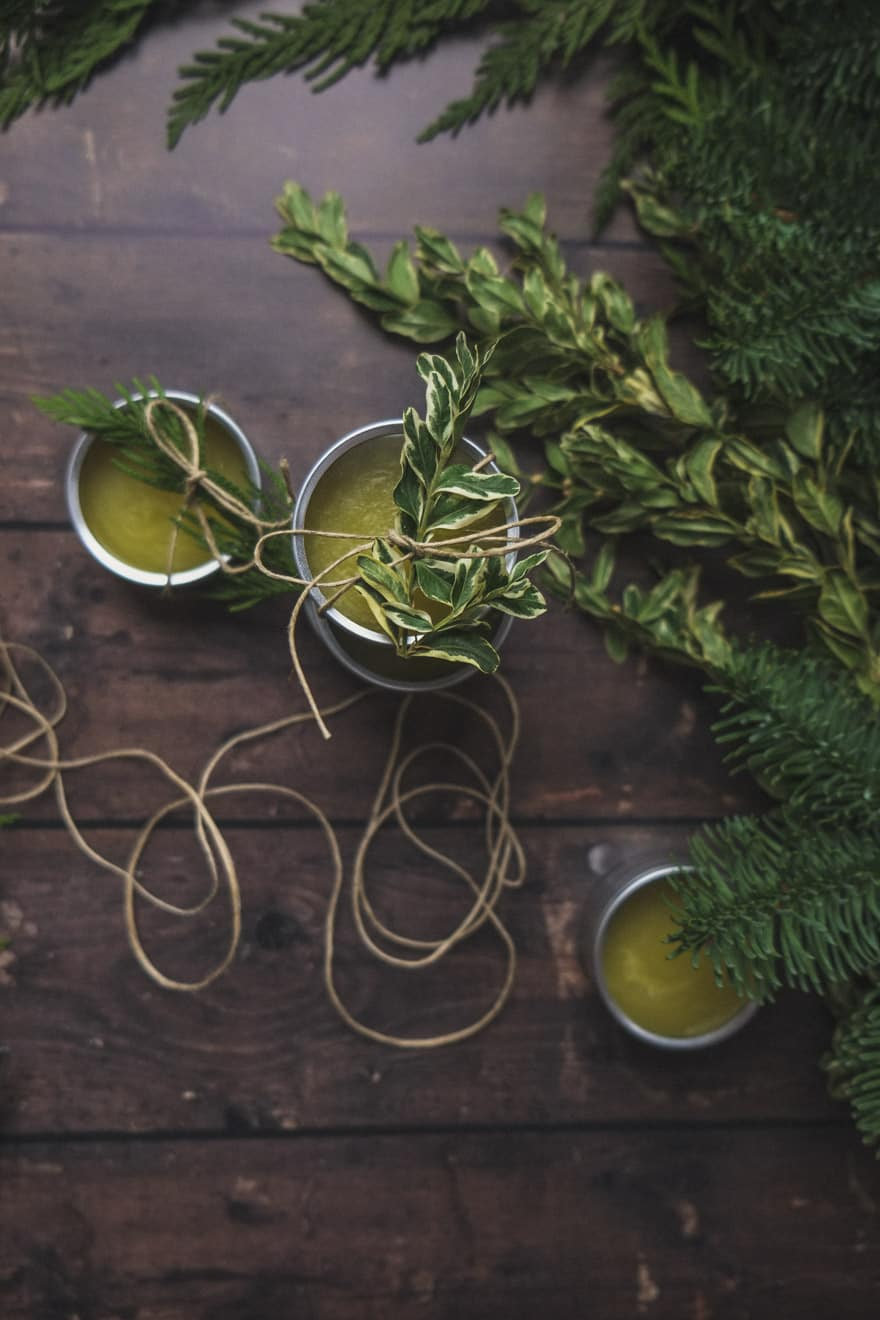 douglas fir and orange DIY body balm. Easy DIY holiday gifts. #DIY #gifts
