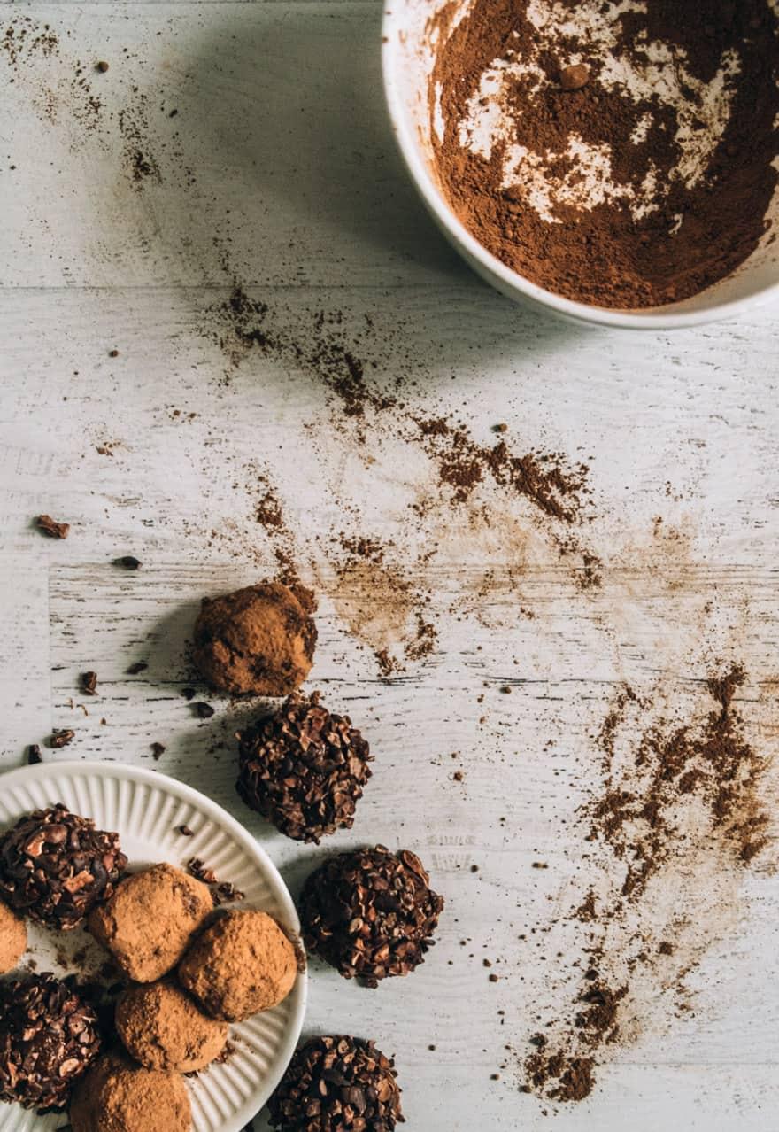 adaptogenic chocolate hazelnut truffles #vegan #paleo #dairyfree #glutenfree