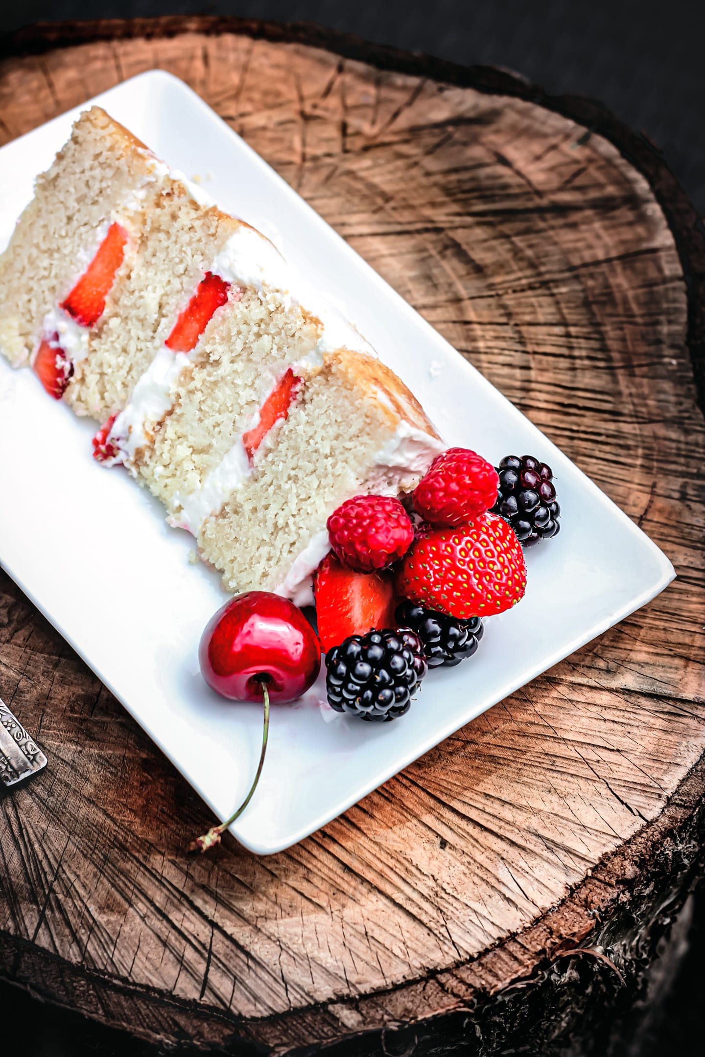 layer cake gourmand aux fruits rouges
