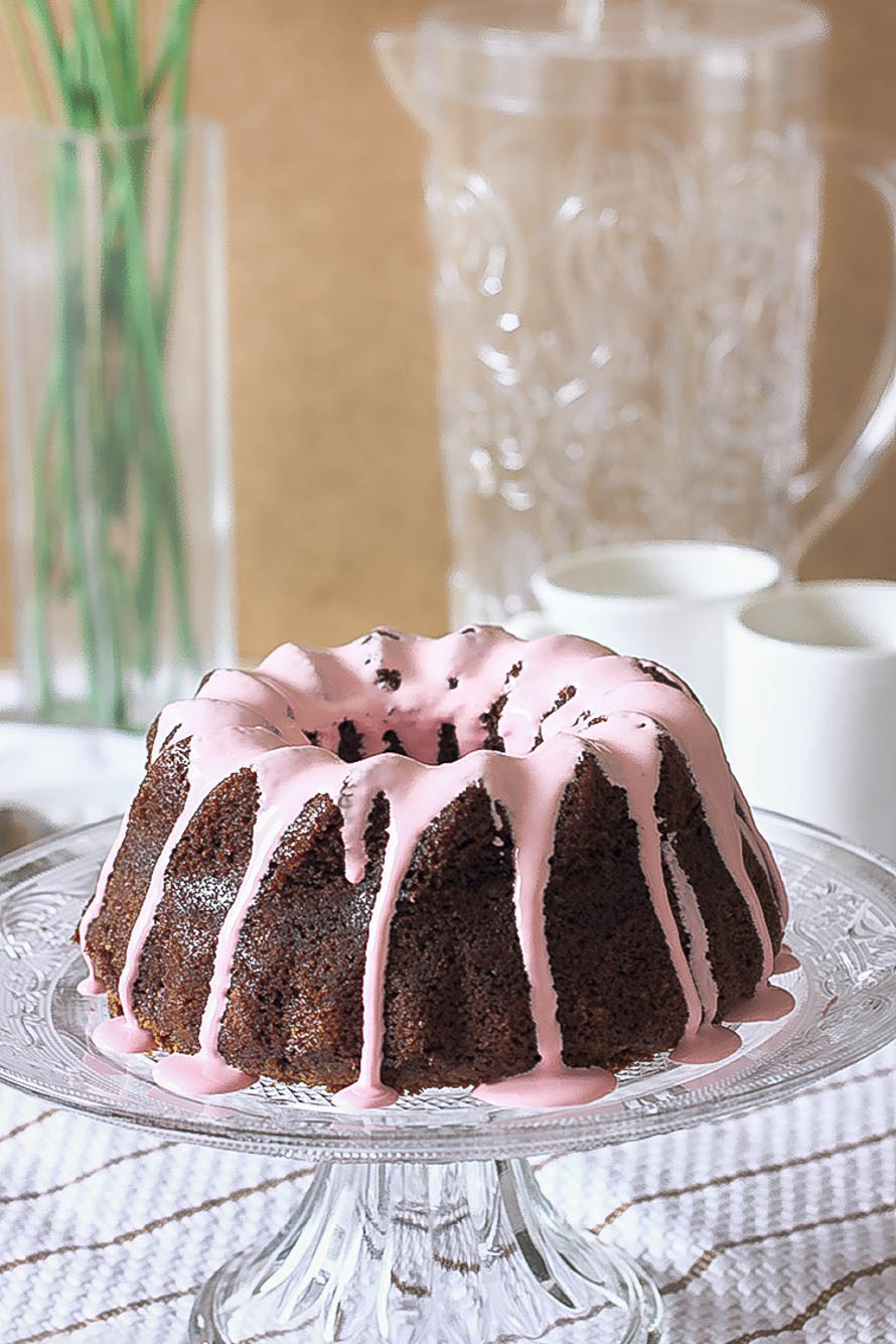 Bundt Cake au chocolat & glaçage rose