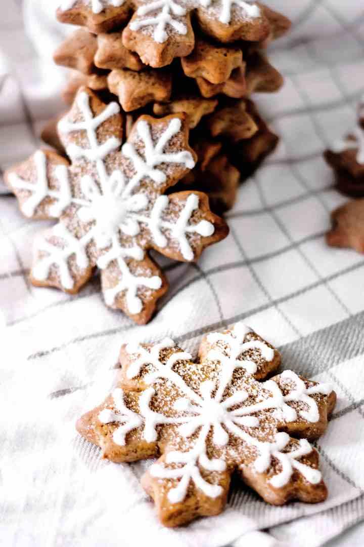 Biscuits de noël flocons de neige gingerbread