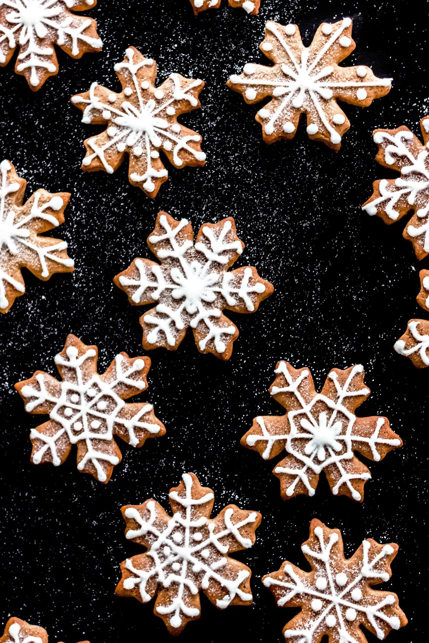 Biscuits flocons de neiges aux épices et glaçage royal