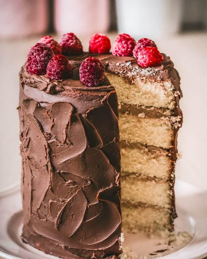 Layer cake avec la ganache au chocolat noir