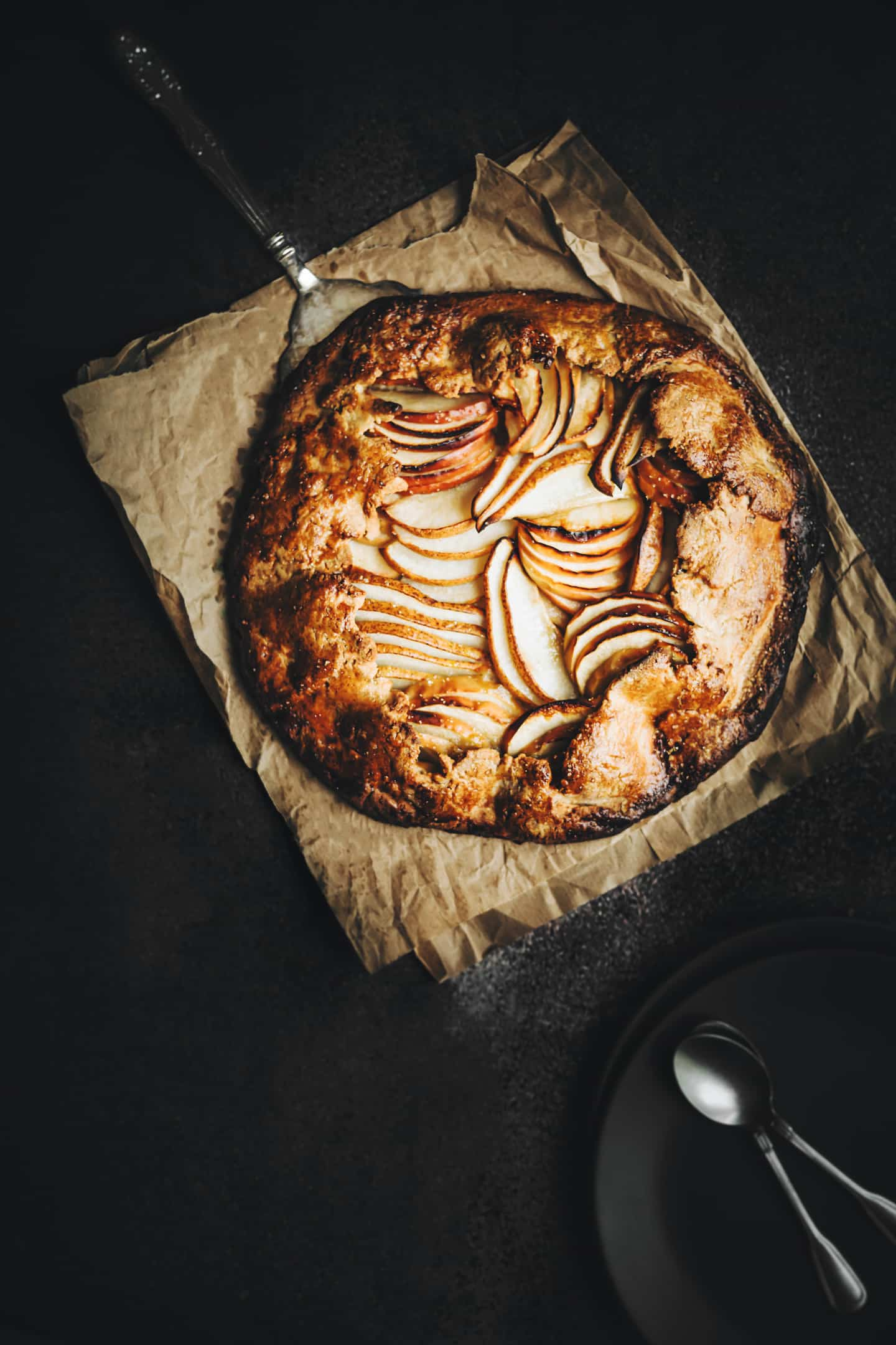 Apple and pear french tart