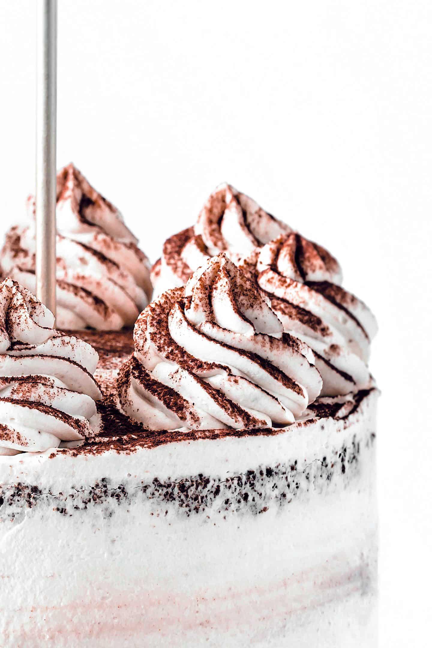 Layer cake au chocolat et ganache montée au chocolat blanc