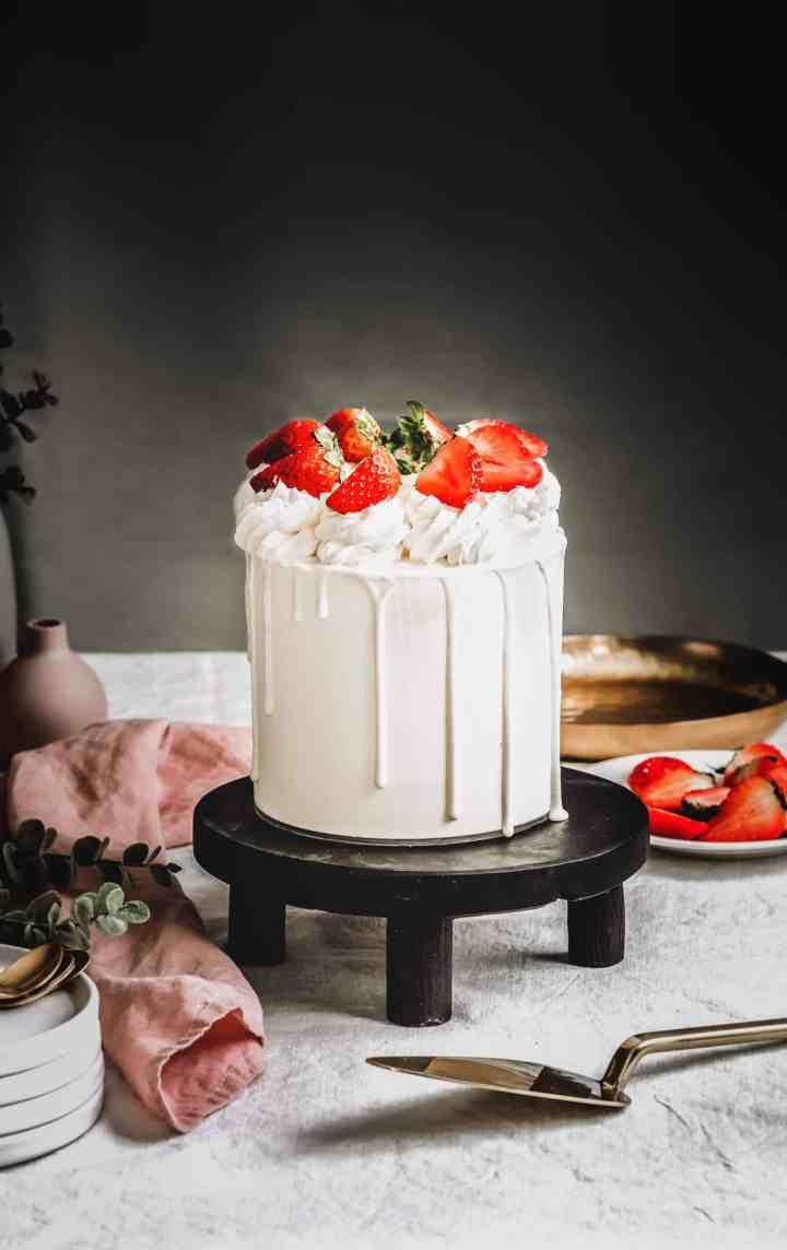 Strawberry layer cake easy recipe