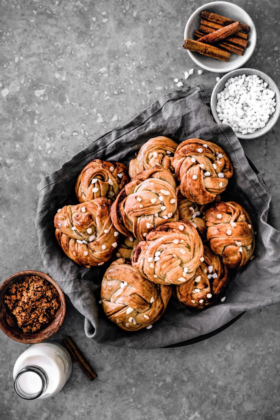 Cinnamon rolls kannelbular buns Suedish