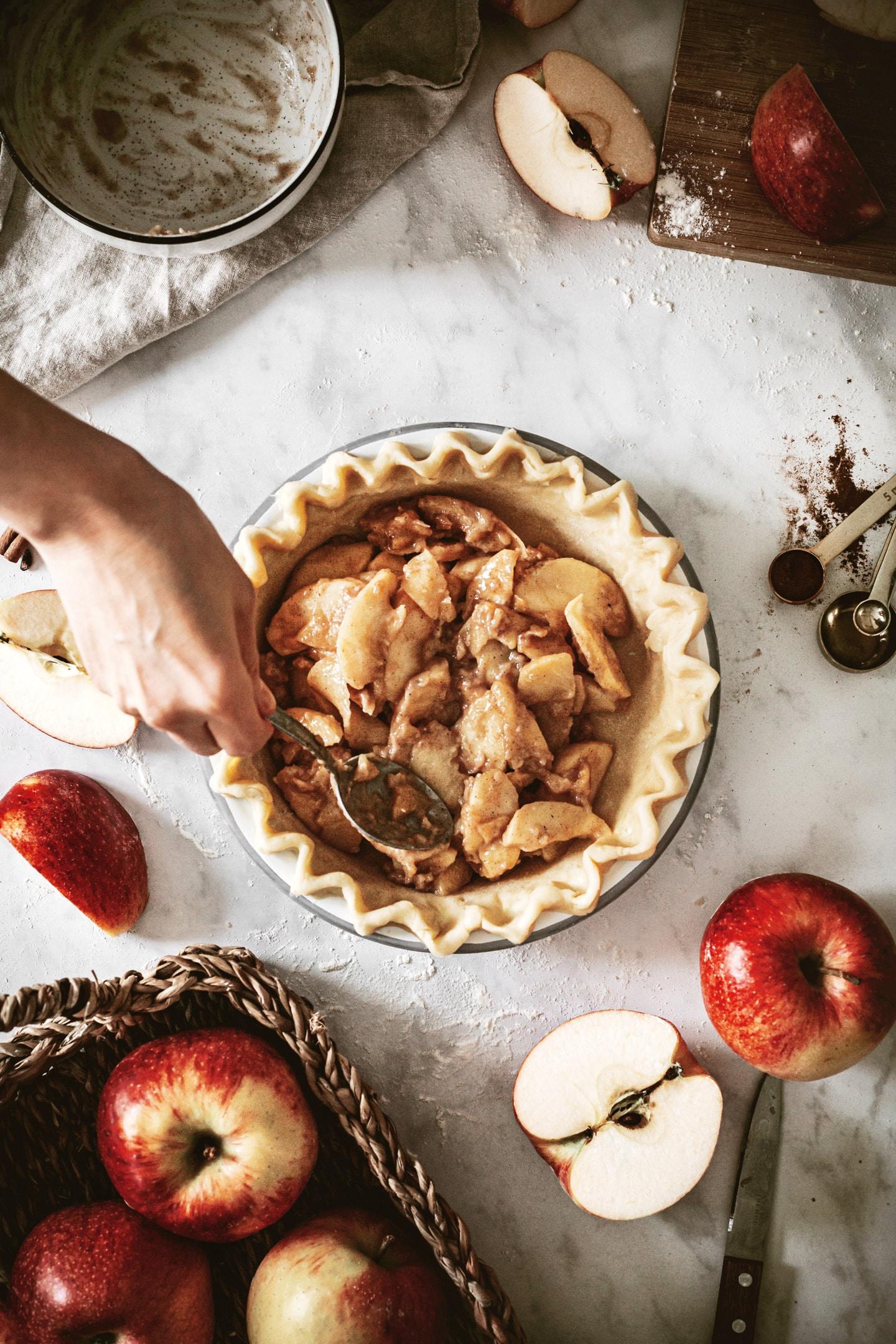 Comment garnir la tourte aux pommes