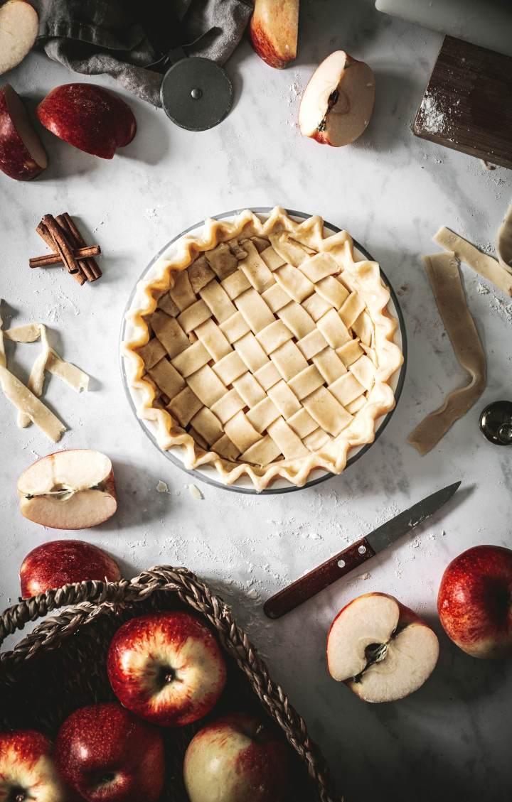 La tourte aux pommes à la cannelle