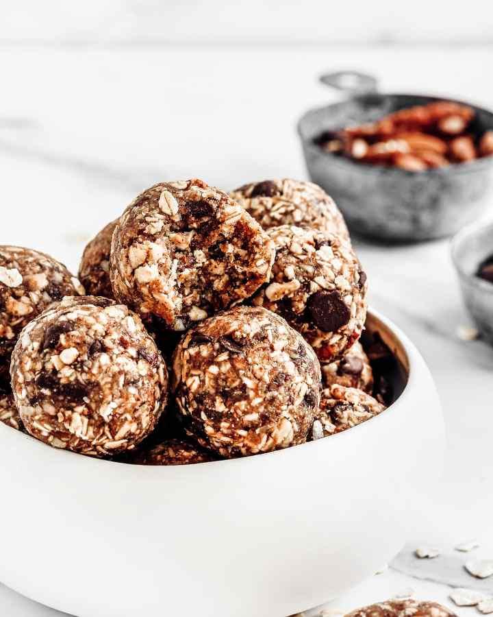 Energy balls basic recipe