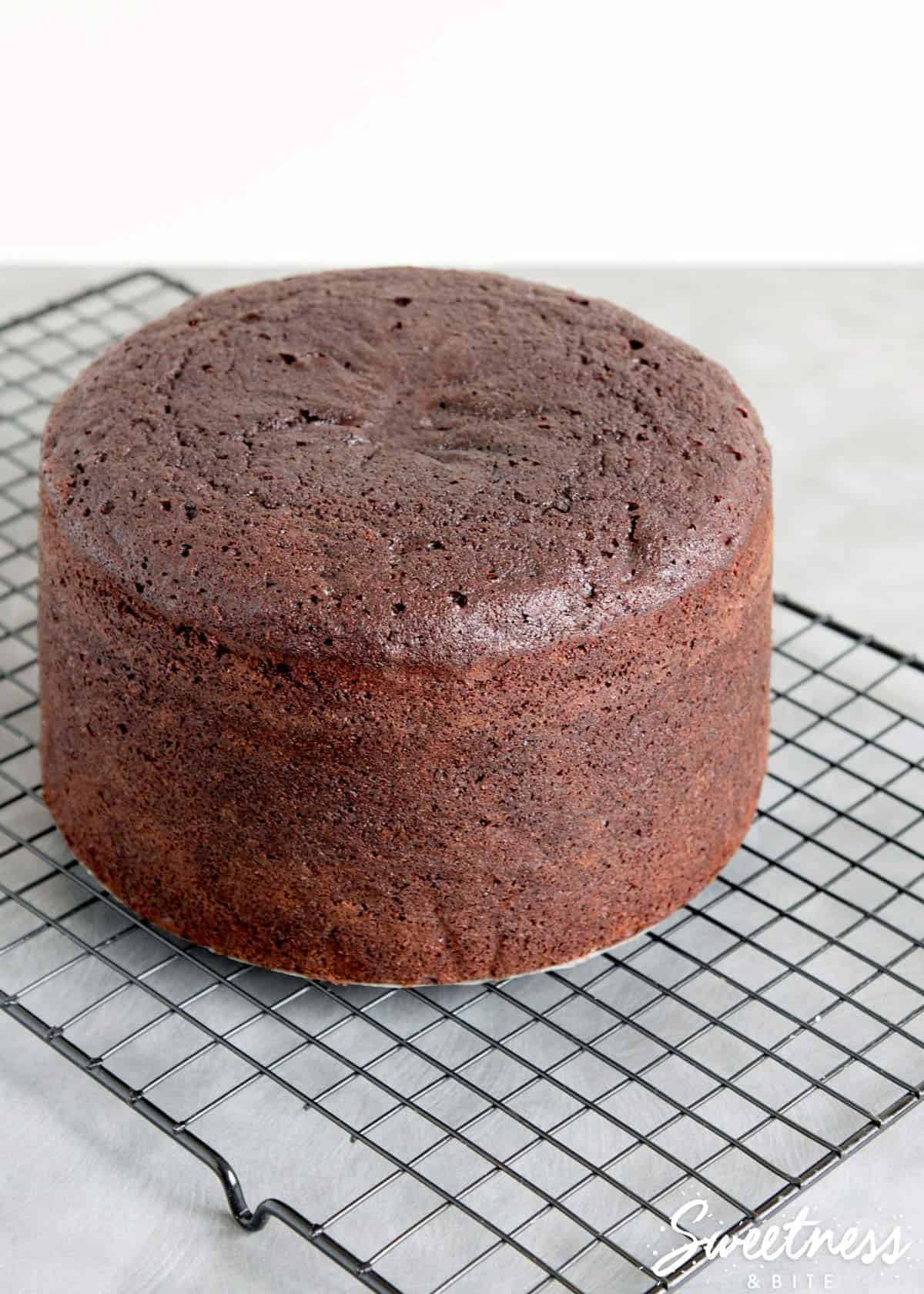 How to check your cake is baked perfectly, every time ~ Sweetness & Bite