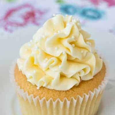 Vanilla Cream Cupcakes ~ Sweetness & Bite