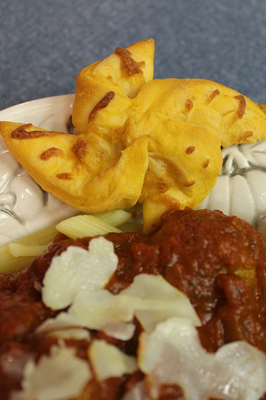 Cheesy Garlic Tomato Pinwheels