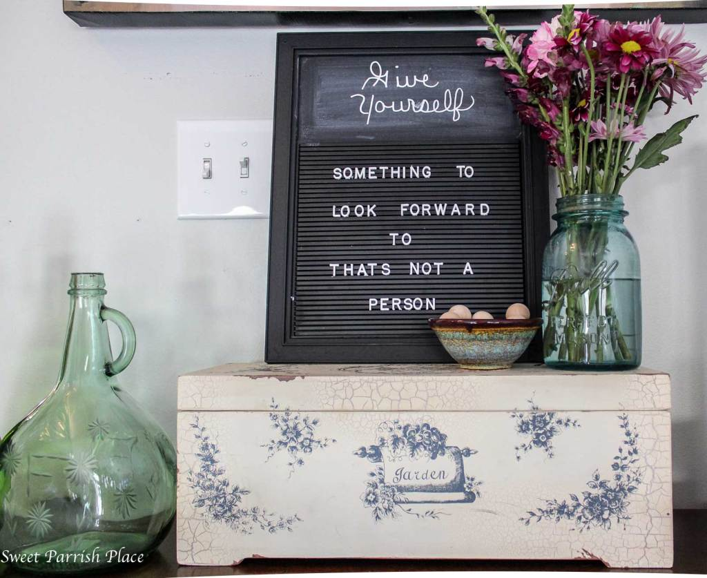 Trashtastic Treasures- Turn a Restaurant Menu Board into a Letterboard for Your Home