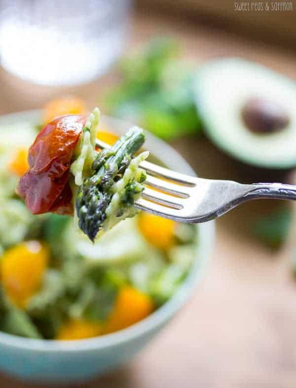 Avocado Pesto Pasta Salad with Roasted Summer Vegetables | sweetpeasandsaffron.com