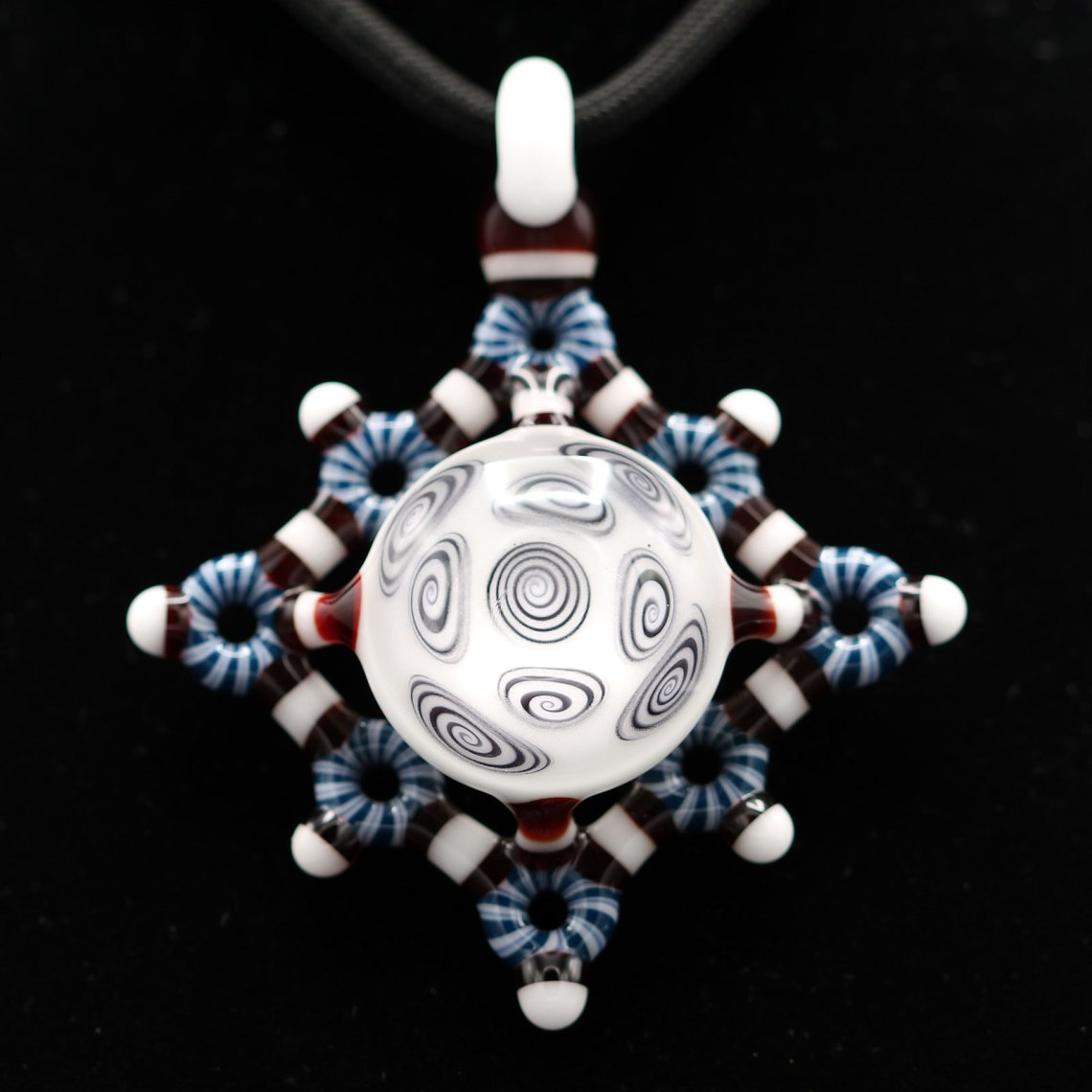 Kaja Glass – Microspiral Circletech Shield Pendant