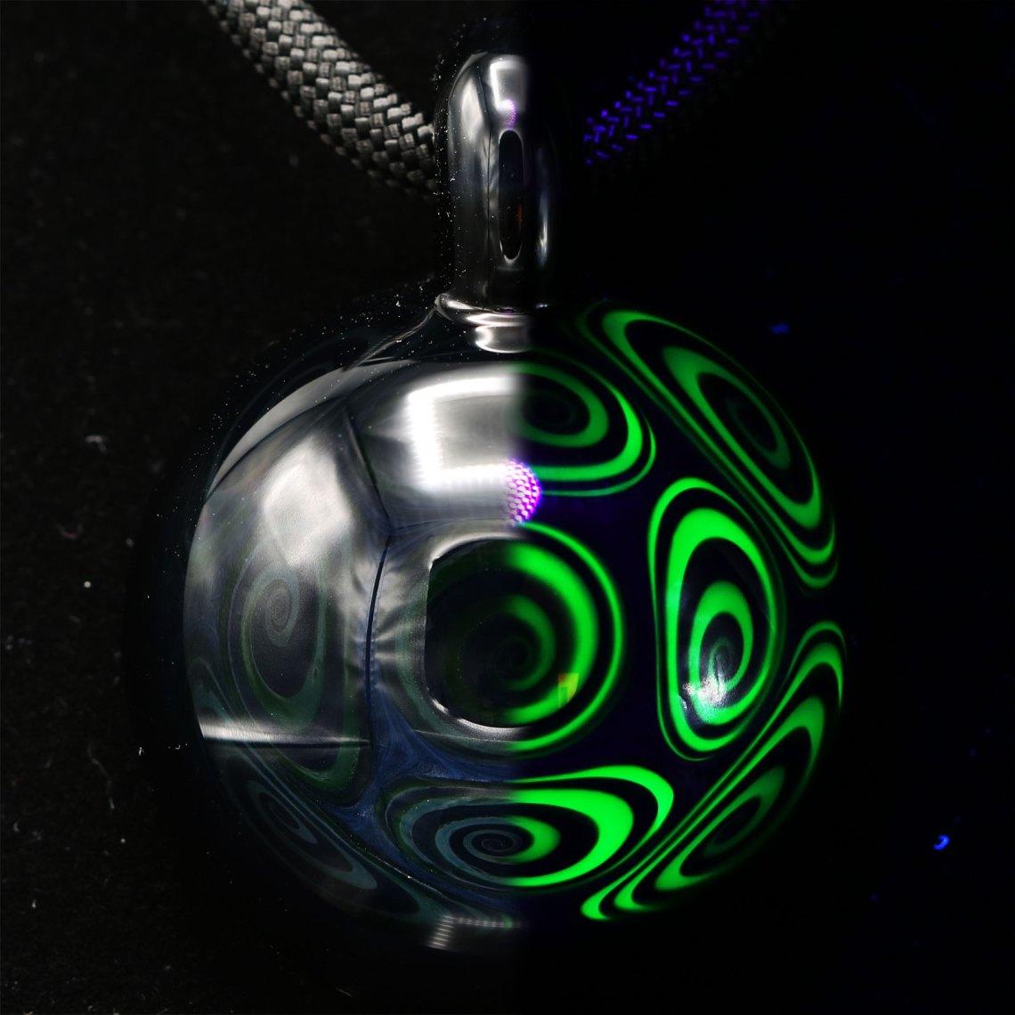 Kaja Glass – Jet Black Illuminati Microspiral Pendant