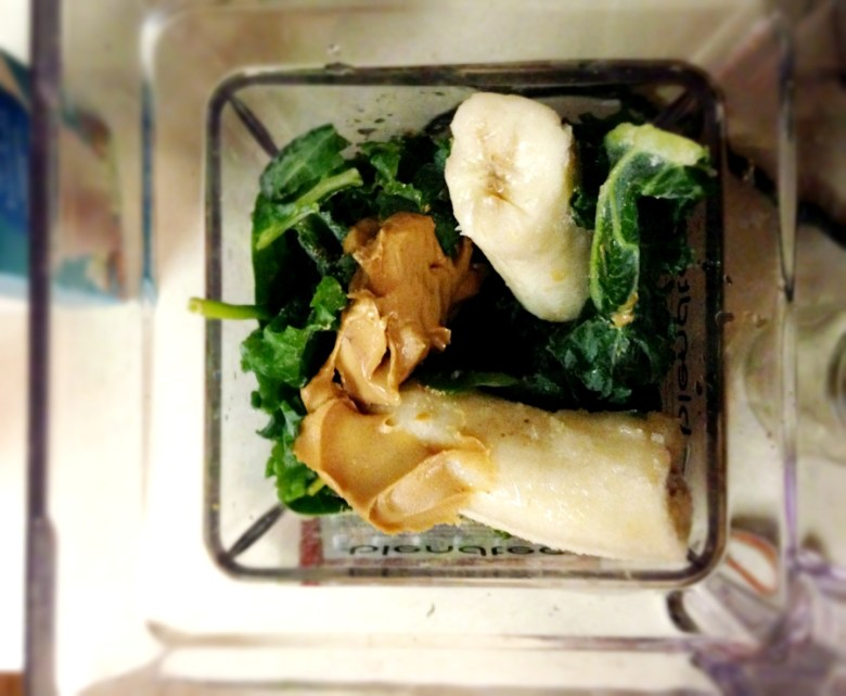 kale smoothie in blendtec_Fotor