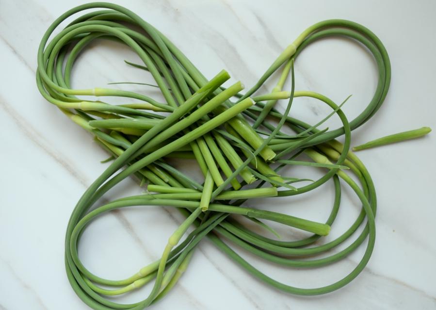 garlic scape pesto.10