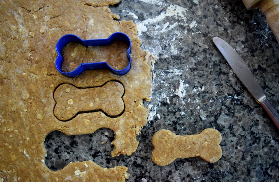 5 ingredient dog treat.4