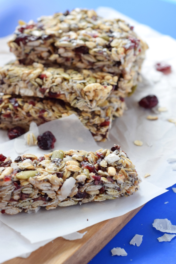 Chewy Cranberry Coconut Granola Bars #healthy #glutenfree#nobake