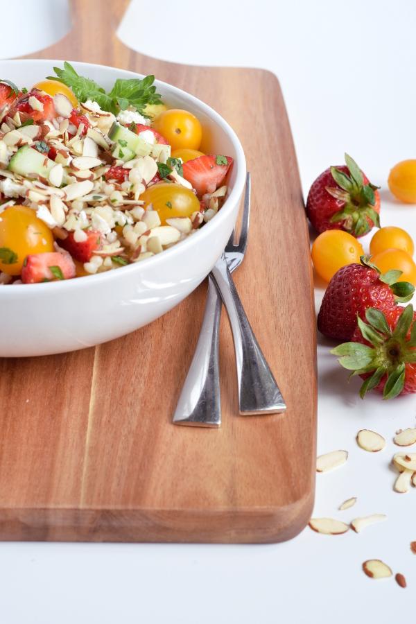 Strawberry Israeli Couscous Salad. #vegan #vegetarian #healthy #easy