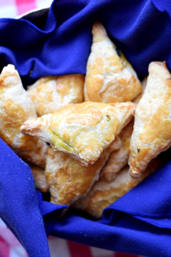 spinach and feta puff pastry triangles #easy