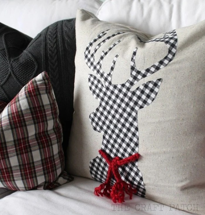 The Craft Patch Christmas Reindeer Silhouette Pillow Sewing Tutorial