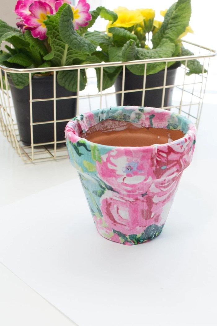 How to make a fabric covered flower pot
