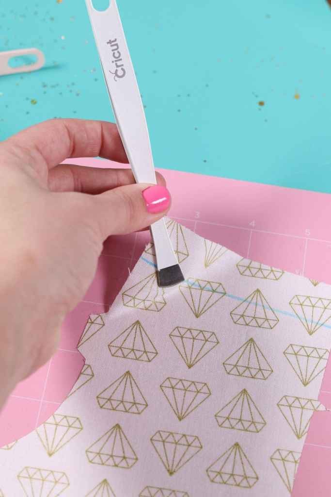 How to remove fabric from the Cricut Fabric Mat