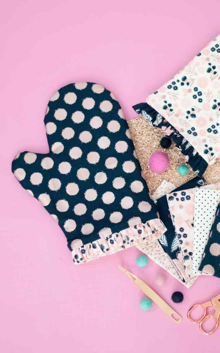Learn How To Sew an Oven Mitt with the Help of the Cricut Maker.