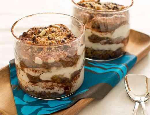 Tiramisu alle mandorle senza glutine veloce con yogurt di soia vegan senza lattosio uova