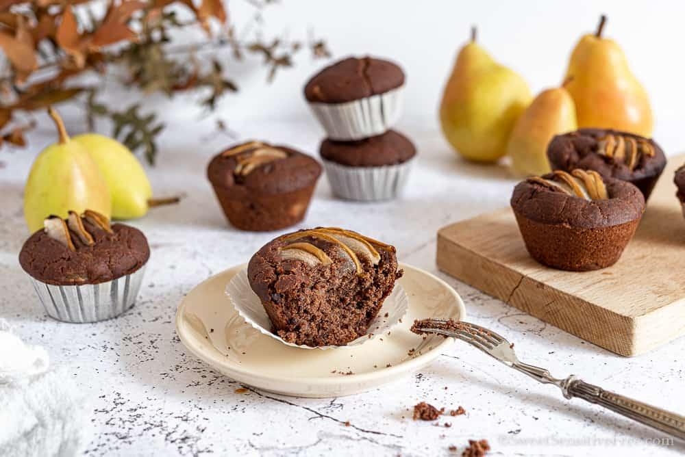 Muffin cioccolato e pere senza glutine senza burro senza uova vegan