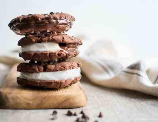 Gelato biscotto con cookies al cioccolato senza glutine senza burro vegan