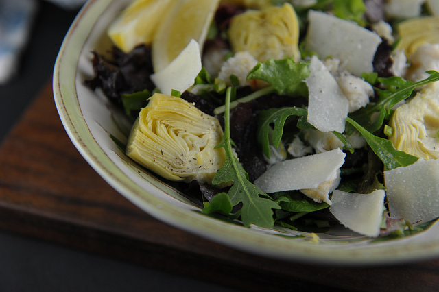 Crab and artichoke green salad // sweetsonian