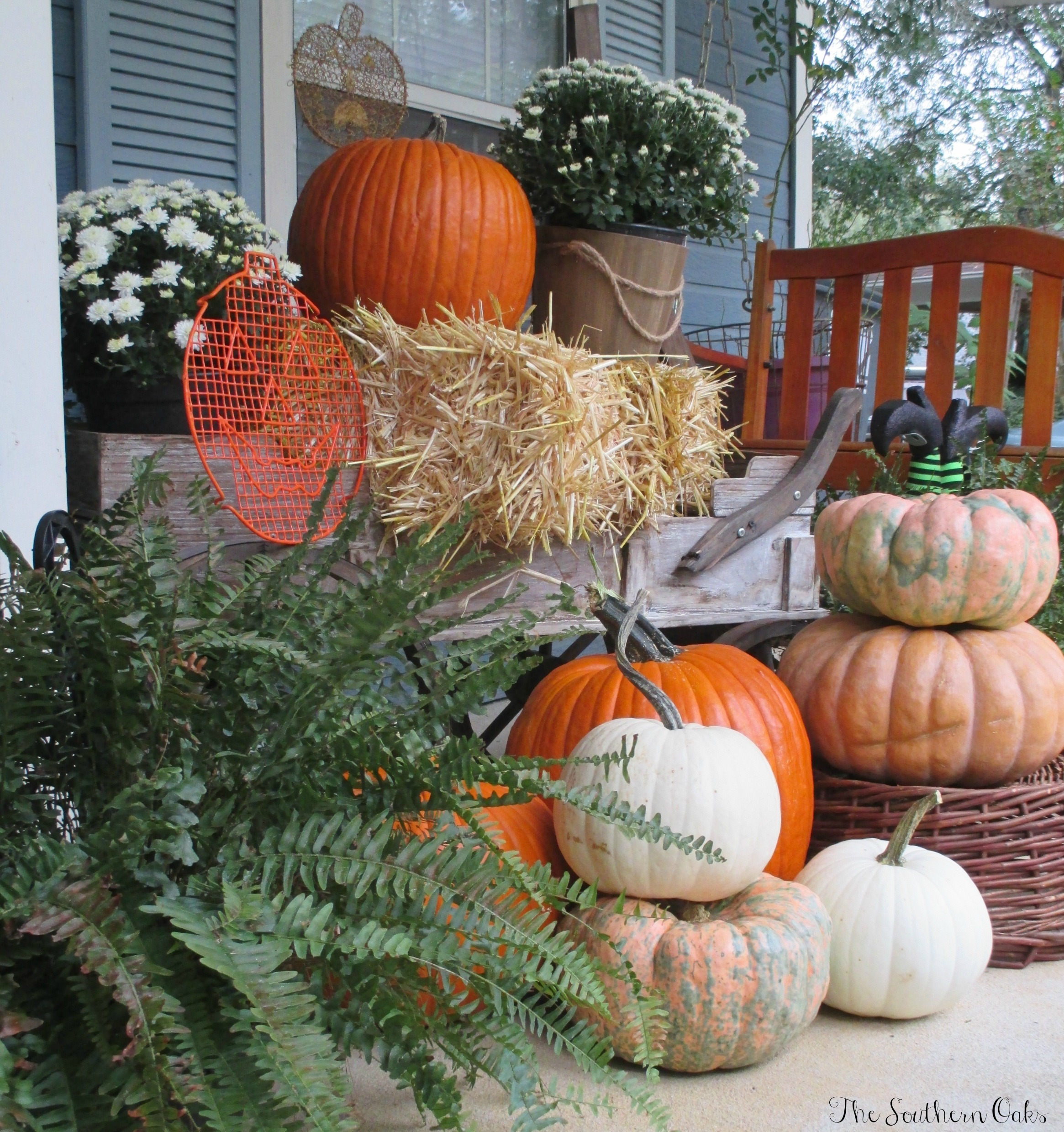 Budget Friendly Harvest Themed Front Porch Reveal