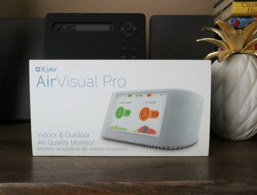 Enter and you could be the lucky winner who will #WIN @IQAir AirVisual Pro ~ the World's Smartest Air Monitor worth $269 when this #SMGN Gift Guide #Giveaway ends 10/29.