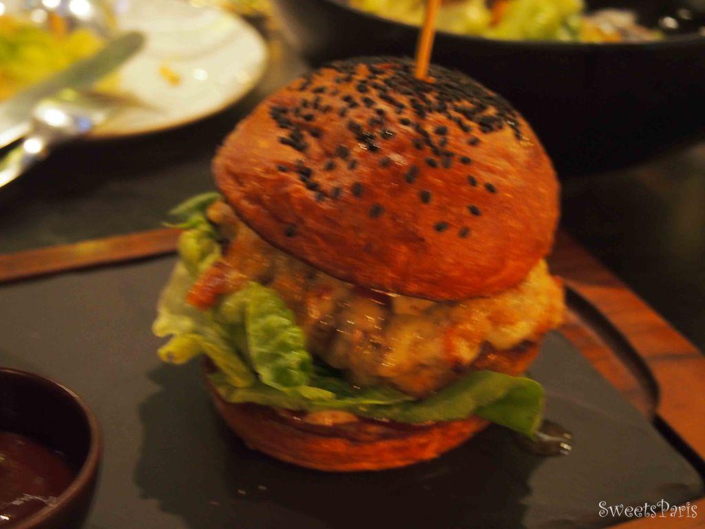 タイ・バンコクでハンバーガー