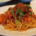 手抜き料理!野菜たっぷりでボリューム満点なトマトパスタの作りかた