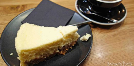 唯一、奇跡的にチーズケーキだけがおいしい人気のカフェ|Slake Coffee House