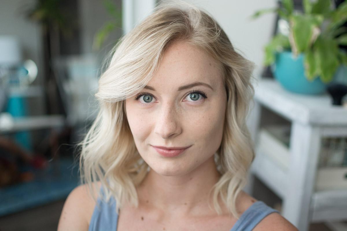Neutrogena Back To School Makeup Tutorial - Finished Look - Sweet Teal