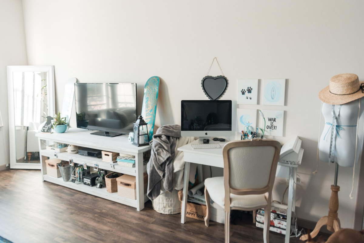 Making the most of an apartment living room - Sweet Teal