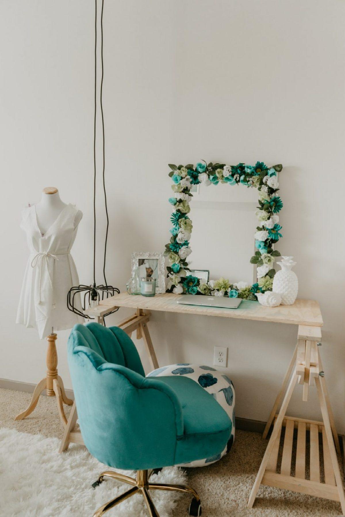 DIY Flower Mirror on Desk - Sweet Teal